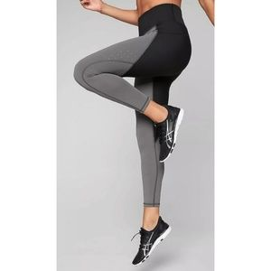 Athleta Stealth Trucool 7/8 Tight Legging M